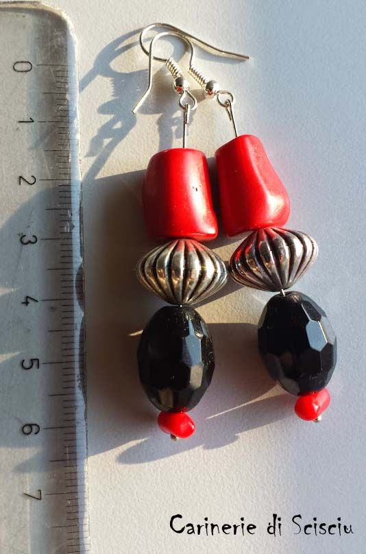 Obsidian and coral hand made