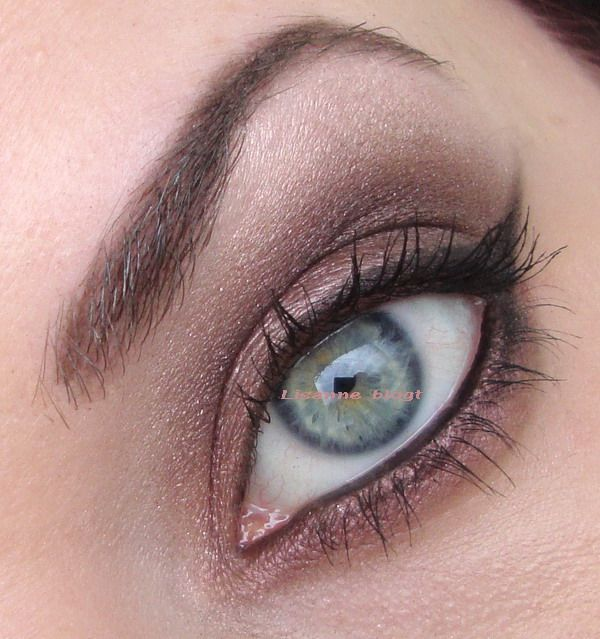 Rimmel Glam Eyes Quad called English Rose and a little bit of Sleek Oh So Special