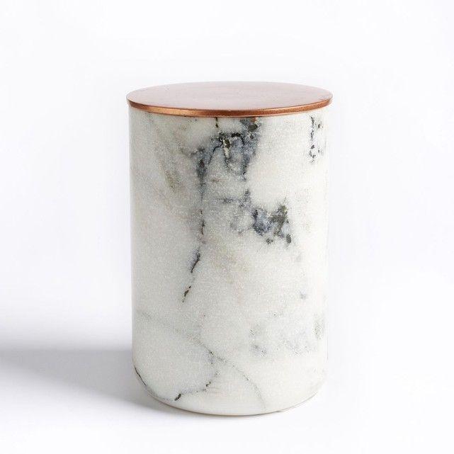 Pot en marbre UZIMO La Redoute Interieurs : prix, avis & notation, livraison.  Chic et raffiné, ce pot en marbre est à exposer comme un objet d'art ou à utiliser comme un accessoire de bureau ou de salle de bain.Caractéristiques du pot en marbre Uzimo :Pot en marbre, avec couvercle en aluminium finition cuivre.Dimensions du pot en marbre Uzimo :Ø 9 cm x hauteur 15 cm. Retrouvez l'ensemble de notre collection déco sur la...