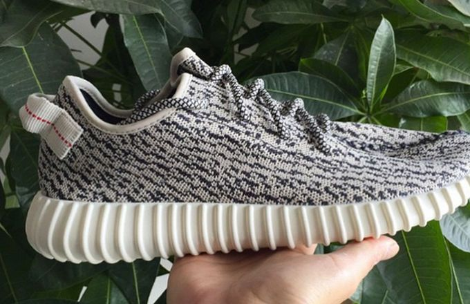 Detailed images of the upcoming adidas Yeezy 350 Boost Low have surfaced.