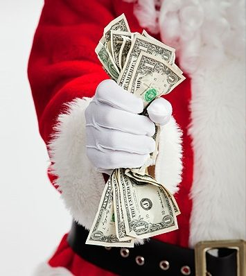 Want to make money over the holidays? Here's how to find seasonal work. #CareerTipTuesday