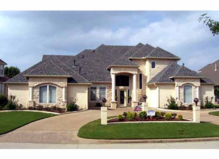 Love the circular driveway exteriors pinterest - Mediterranean house floor plan and design ...