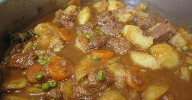 Guiso de Carne de Ternera con Patatas Ingredientes para 6 personas -1Kg de Carne de Ternera o pollo -3 Cebollas -4Tomates -Sal al gust...