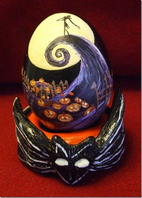 Nightmare Before Christmas Easter Egg.  Isn't it AWESOME???   Thanks Lindsey for showing it to me!!!