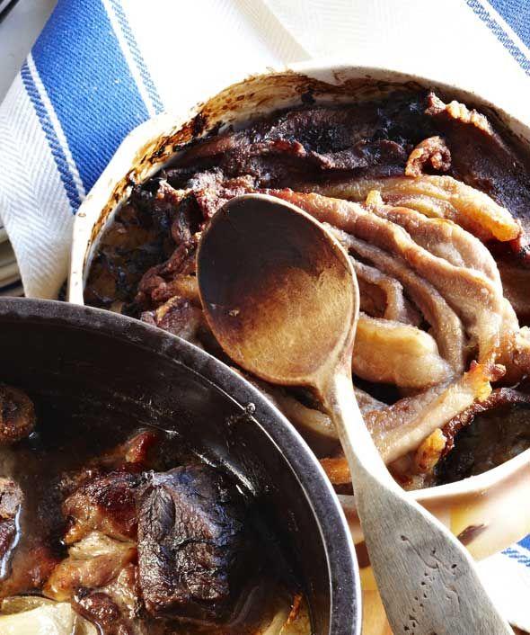 """Apposkaali - """"Tarjoa apposkaali sellaisenaan tai keitettyjen perunoiden sekä etikkapunajuurien ja maustekurkkujen kanssa."""""""