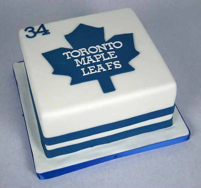 D7003 - toronto maple leafs cake by www.fortheloveofcake.ca, via Flickr