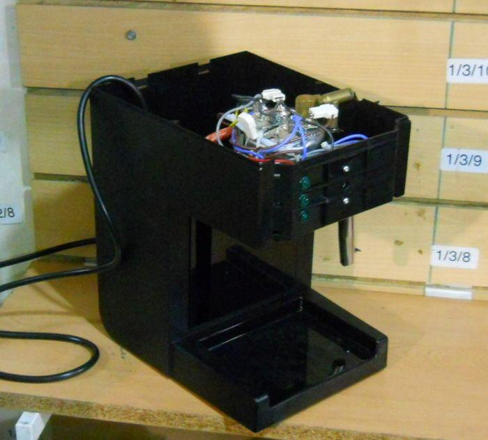 Carcasa y bomba de presión para Cafetera Express Saeco Philips Hd8325.