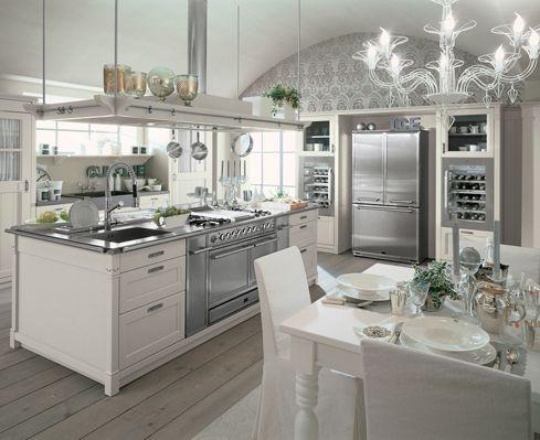 """Con il suo stile """"country chic"""", la nuova cucina English Mood di Minacciolo, è adatta non solo alle case di c"""