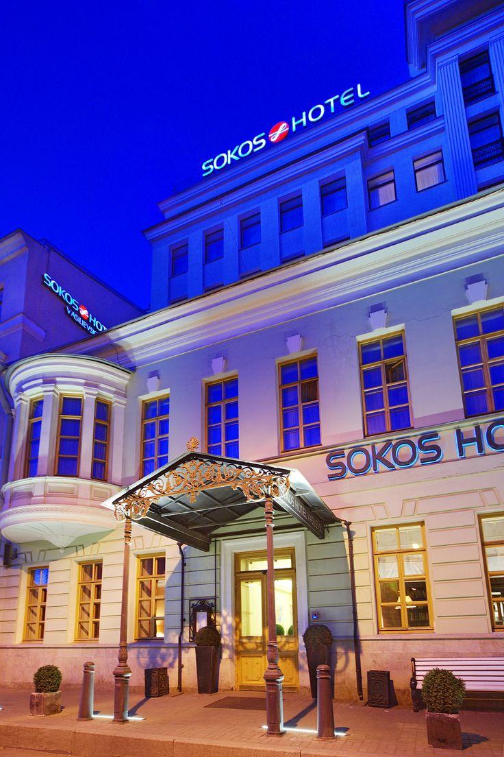 Solo Sokos Hotel Vasilievsky, St Petersburg, Russia. Hotelli sijaitsee 8. Linjalla Vasilin saarella, josta 10-15 minuutin kävelymatka moniin Pietarin päänähtävyyksiin. Vasilievsky is situated in the historical centre of St. Petersburg, on the 8th Line of the Vasilievsky Island, close to the Embankment of river Neva. The most famous landmarks of St. Petersburg are located just a 10-15 min walk from the hotel on the other side of the Neva. #stpetersburg #sokoshotels