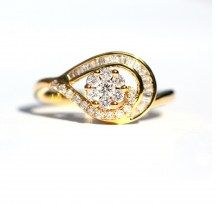 Feminine and Soft, Gorgeous Diamond Ring, 18YG   #DiamondsExclusive