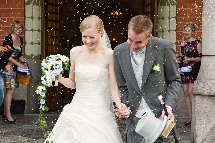 Wedding photography (c) by Pirjo Hakonen / Kuvaamo Mimesis, http://www.mimesis.fi