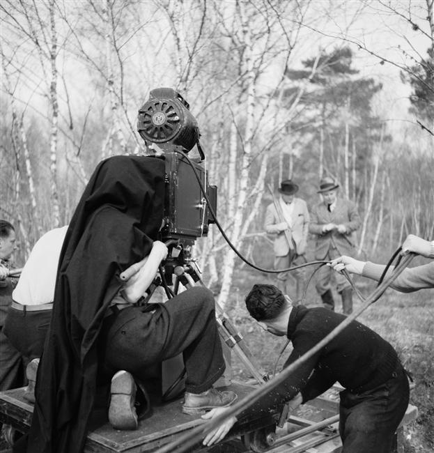 """Jean Renoir et Marcel Dalio sur le tournage de """" La Règle du Jeu """" de Jean Renoir, 1939  par Lévin Sam"""