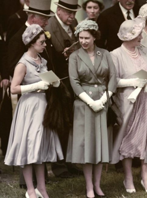 elizabethii:  Her Majesty with Her sister, Princess Margaret, and their mum, Queen Mother, at the Epsom Derby, 1958