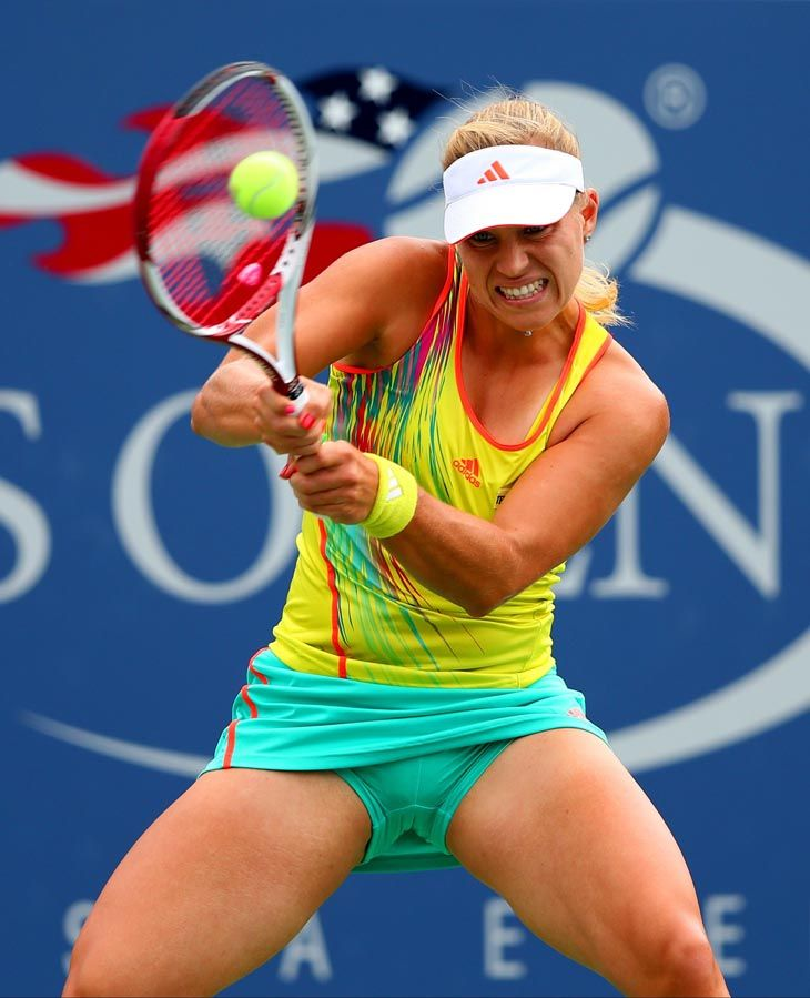 Pin By Terry Malloy On Fitness Tennis Players Female Tennis Players Female Soccer Players