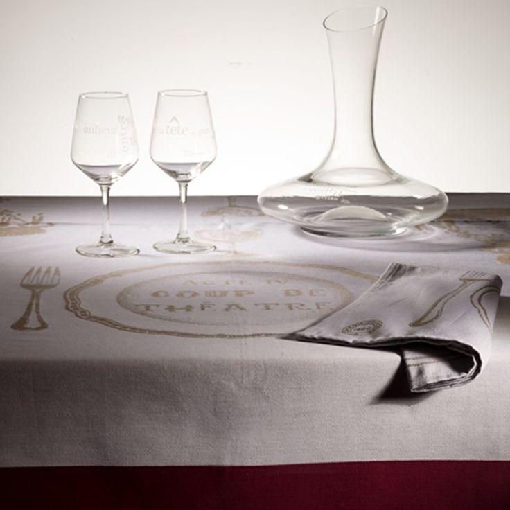 Ensemble composé d'une nappe et de ses 6 serviettes de table Comédie-Française