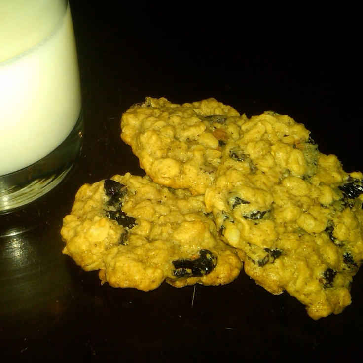 Oatmeal cranberry (and blueberry) cookies