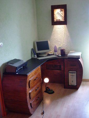 Un bureau tout en carton