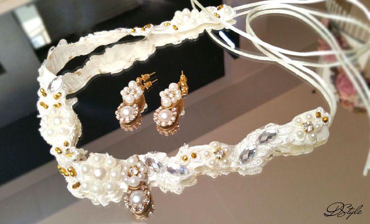 Earrings: 35 ron, Hair accessory: 55 ron