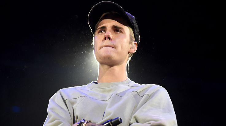 Justin Bieber baisse son slip sur un site archéologique