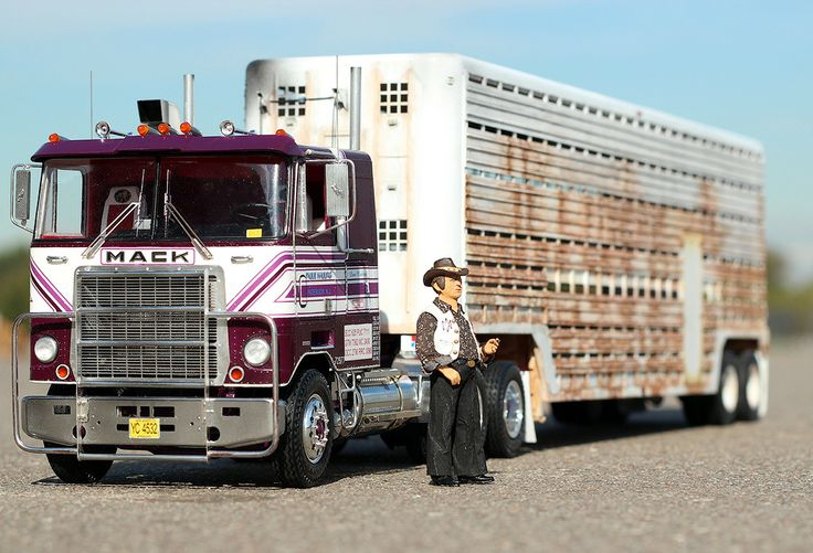 Truck Models./ pig pen from movie convoy