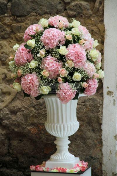 Rose Avalanche E Ortensie : Migliori idee su fiori per la chiesa da matrimonio