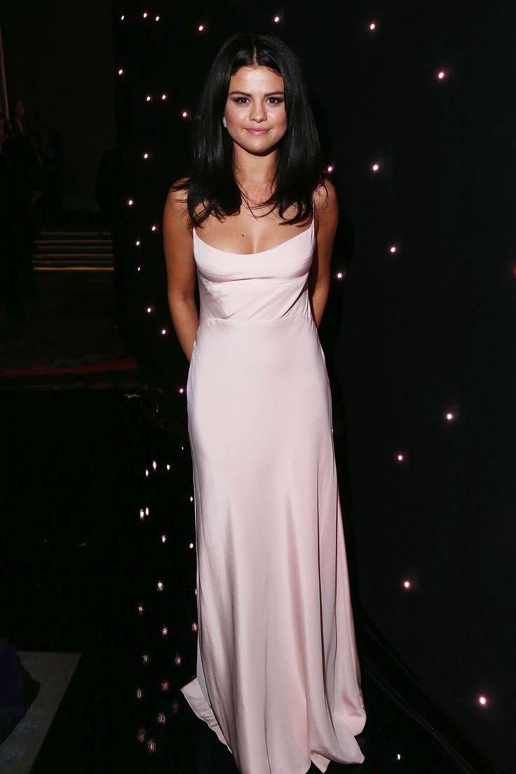 Selena Gomez in Narciso Rodriguez