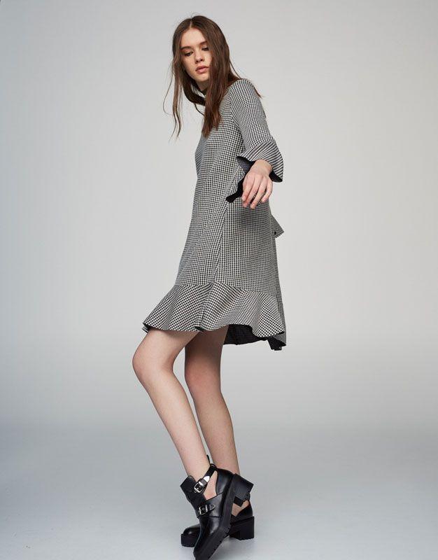 Vestido volantes cuadro vichy - Vestidos - Ropa - Mujer - PULL&BEAR España