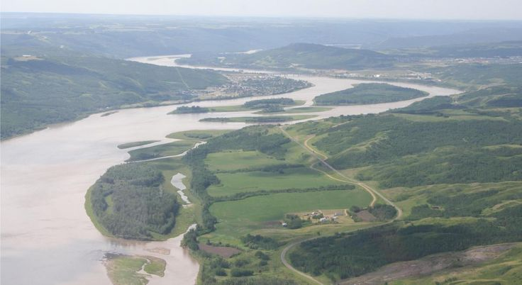 Pick Between Site C Dam And LNG, Say B.C. First Nations To Province - The Peace River wends its way through the northern Canadian town that bears its name. The Peace River is part of the Mackenzie River Basin.
