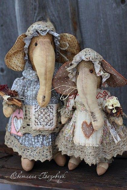 Слоники. - слоны,винтаж,слон,бежевый,парочка,семья,подарок,подарок на любой случай