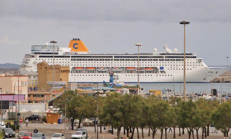 Con l'ultimo scalo di ieri di Costa neoRiviera, si è conclusa la stagione estiva per Porto Torres. A partire dal prossimo 10 ottobre, per sei martedì la città sarda accoglierà la nave Horizon della flotta Pullmantur.Anche per i prossimi mesiil