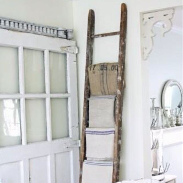 old ladder and vintage towels love this for a bathroom