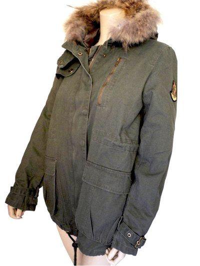 Parka femme hiver en coton militaire, capuche fourrure, écusson manche sur cpourl.fr #cpourl