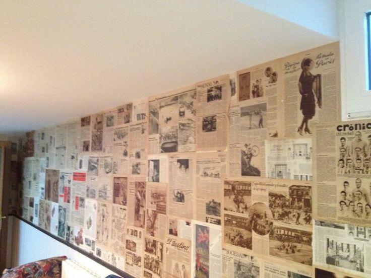 Paredes decoradas con periodicos antiguos recikla arte for Paredes decoradas