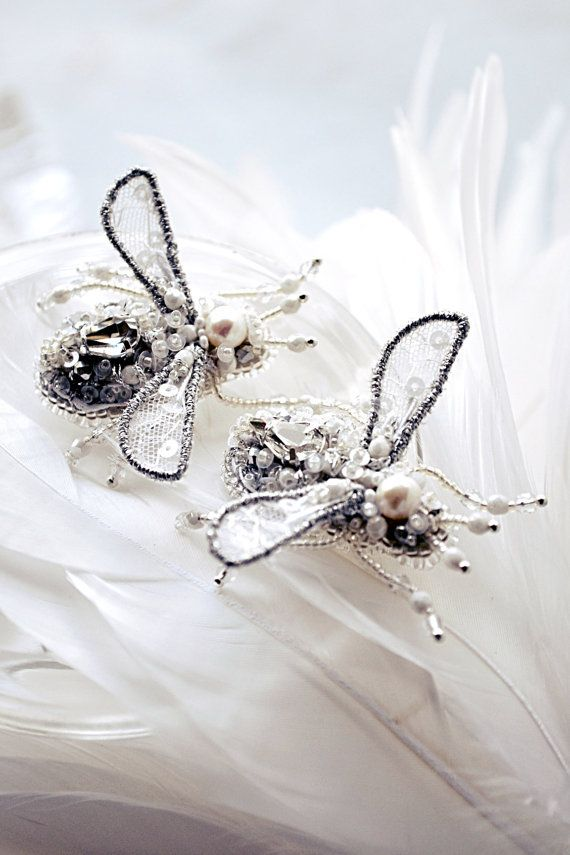 Miniature bee brooch exclusive Bridal fashion jewelry Wedding dress pin white silver brooch Wedding pair of brooch Bridal pearl jewelry OOAK
