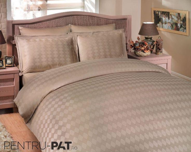 Cuvertura pat pentru doua persoane Hobby Diamond beige
