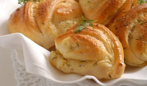 Bryndzové pečivo: Urobte si pravé slovenské rohlíčky