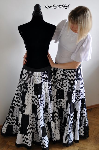 Foto NAGI's: Patchwork skirts in black and white_