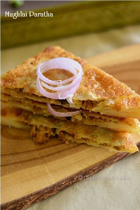 A common street food, Mughlai paratha is shallow fried with delicious, peppery fillings. Try the buttery flatbread with a simple potato curry or chutney.