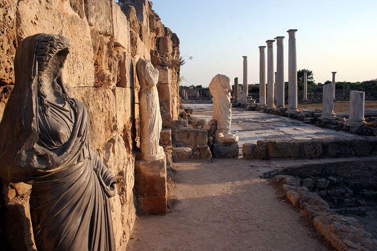 Faceless statue watches - The Roman Ruins at Salamis, N Cyprus - Salamis, Famagusta