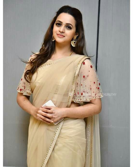 Looking for latest full sleeve blouse designs for silk sarees ? check out 11 pretty inspiring blouse ideas and patterns to look great on this combination.