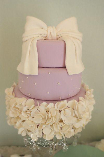 Lavender ruffle cake | MyPinkBouquet Blog #クレイ#ウェディングケーキ#ウェルカムスペース