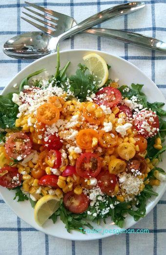 トマトとコーンとルッコラの暖かいサラダ IKEA FÄRGRIK Plate トレジョのエアルームトマトとルッコラ