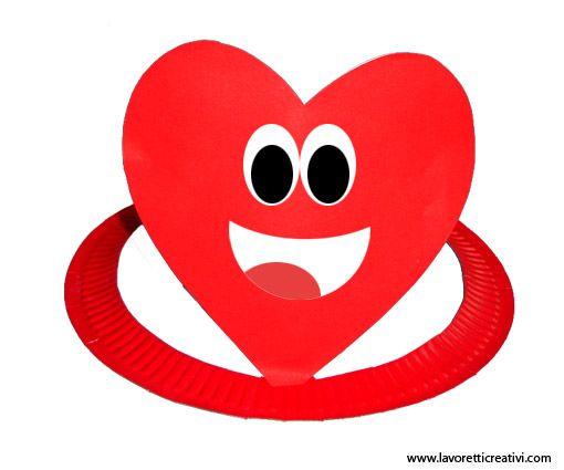 cappello-piatto-carta-cuore