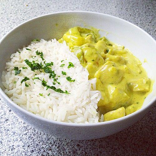Hähnchen-Ananas-Curry mit Reis, ein sehr schönes Rezept aus der Kategorie Studentenküche. Bewertungen: 700. Durchschnitt: Ø 4,6.