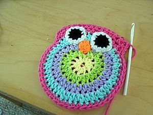 I just made this but turned it into a mini pillow instead of a purseOwls Pattern, Purses Pattern, Big Crafty, Minis Pillows, Free Crochet, Owls Purses, Crochet Pattern, Crochet Owls Pur, Crafty Blog