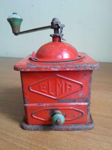 Molinillo metálico antiguo de café | La tienda de Etxekodeco  http://etxekodecoshop.es/catalogo/molinillo-metalico-antiguo-de-cafe/