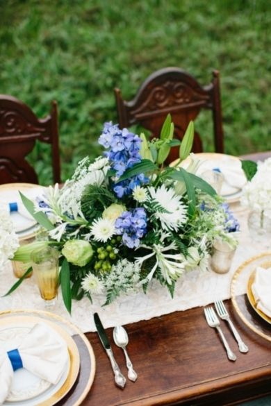 Elegant Lakeside Blue and Green Wedding Inspiration   Photography by Emily March on Every Last Detail via Lover.ly
