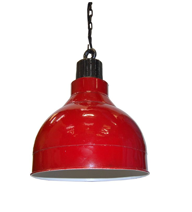 Taklampa i röd patinerad metall, H37, diam 31 cm.