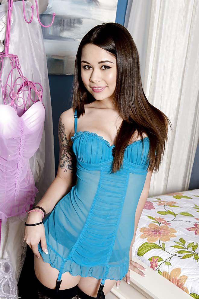 Kira Sinn nude 836