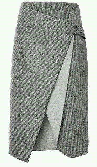 Patrón de Falda recta muy original, del diseñador Dion Lee. Talla desde la 36 hasta la 56.